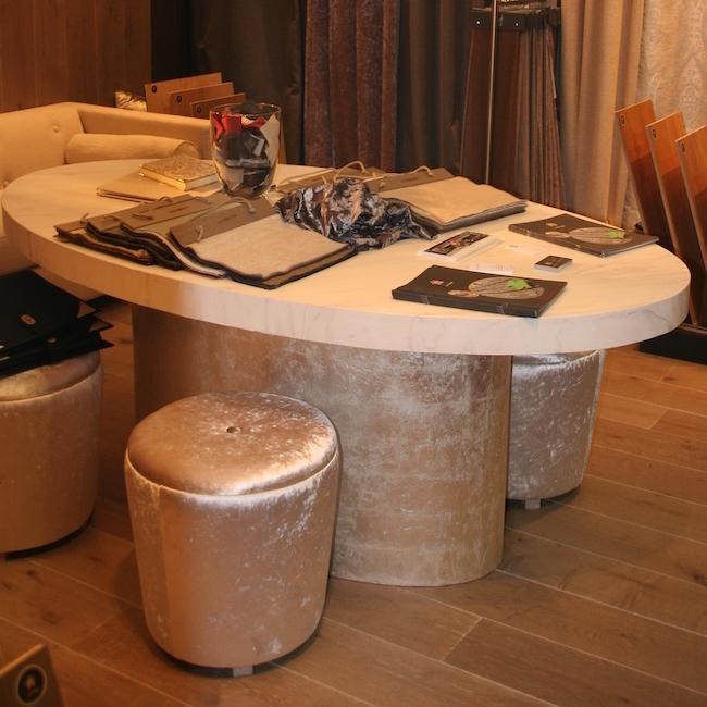 Table en polymère minéral